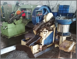 Sond India Fasteners Rolling Machine